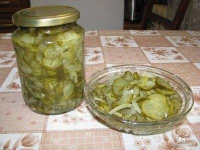 Салат из огурцов. Надёжный рецепт!