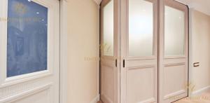 Деревянная дверь в дом. Какую выбрать?