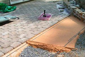 Устройство подстилочного слоя под тротуарную плитку