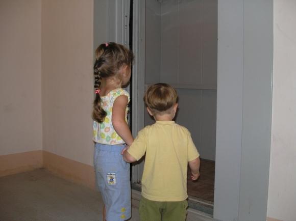 Что нужно рассказать детям о лифте
