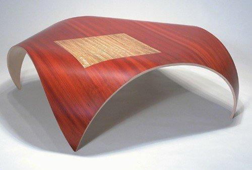 Очередная сенсация в мебельной индустрии. Дизайнер Kino Guerin создал невероятную коллекцию мебели, которая будоражит сознание своими формами и гнутыми линиями.