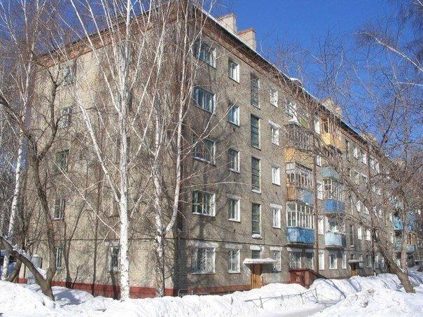 Советские «Хрущёвки, Брежневки, Сталинки».